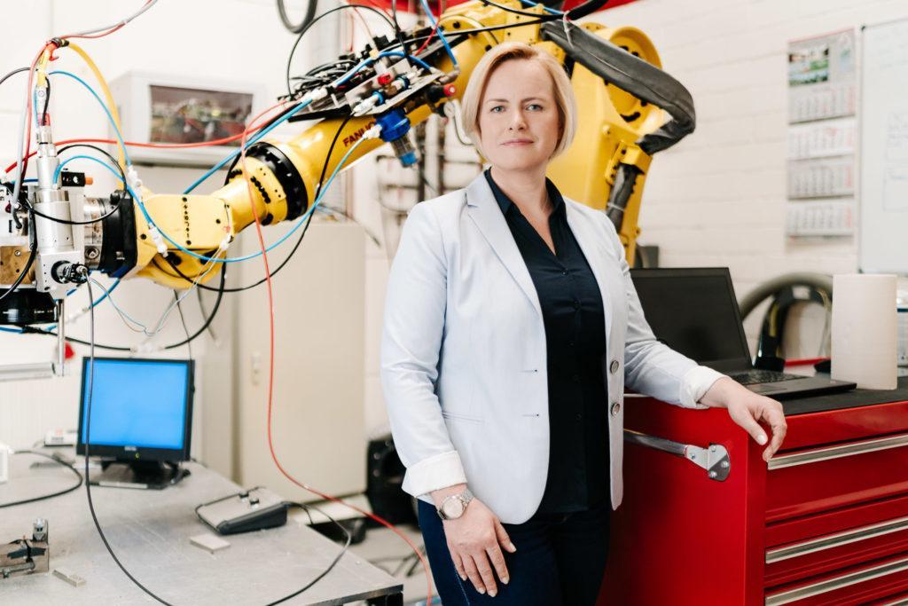 Führende Mitarbeiterin bei Coherent Industrie Laser Fotograf Anna Dittrich