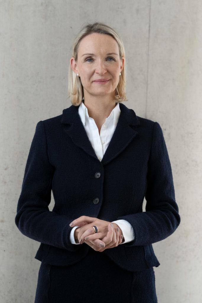 Business Portrait weibliche Führungskraft by Anna Dittrich