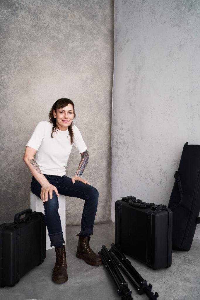 Fotografin Videoproduzentin Anna Dittrich in ihrem Studio Hamburg